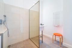 15-Bade-Dusche